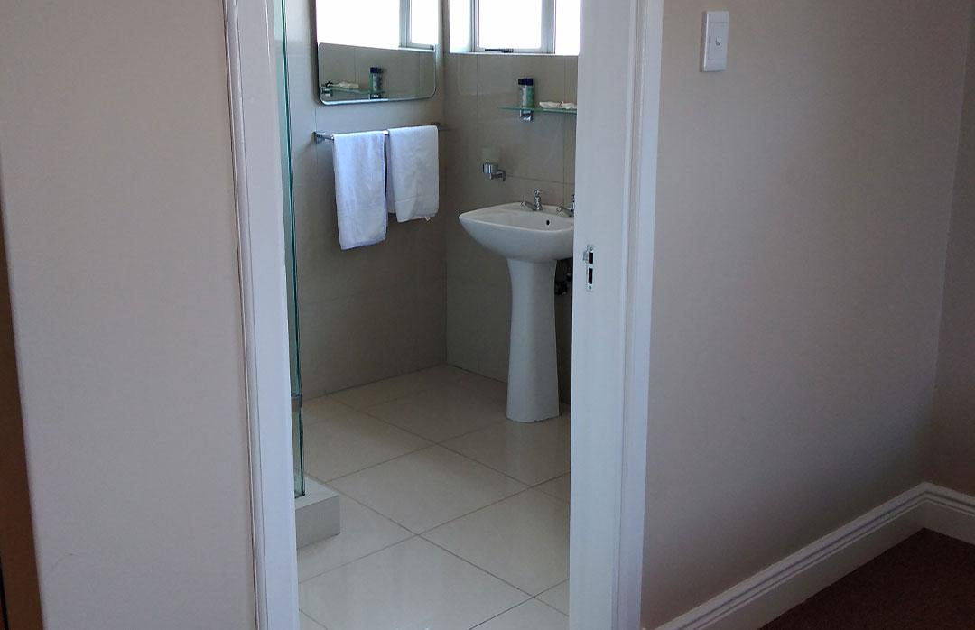 Twin-Room-105-Bathroom