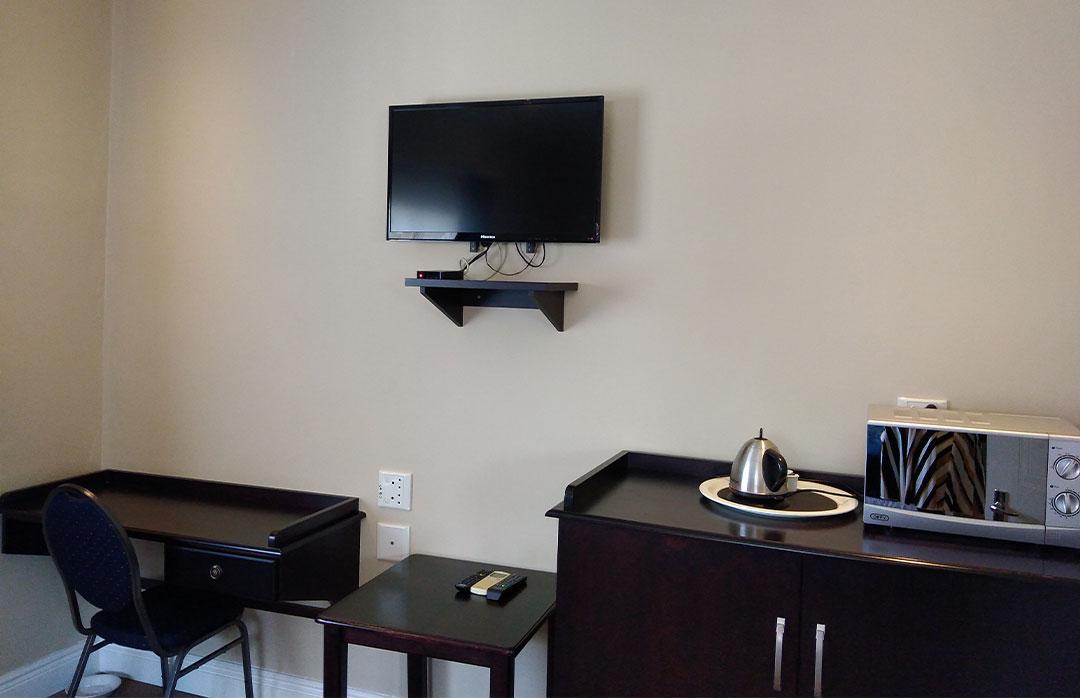 Twin-Room-105-Room-facilities